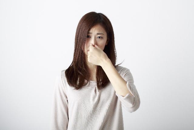 え、女性も臭うの? 加齢臭をセルフチェックする方法